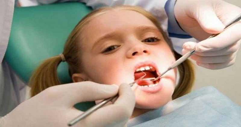 عوارض عصب کشی دندان کودکان
